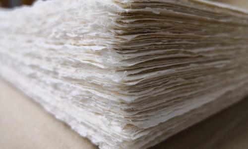 Poesie a Casars: la carta Amatruda usata per la stampa